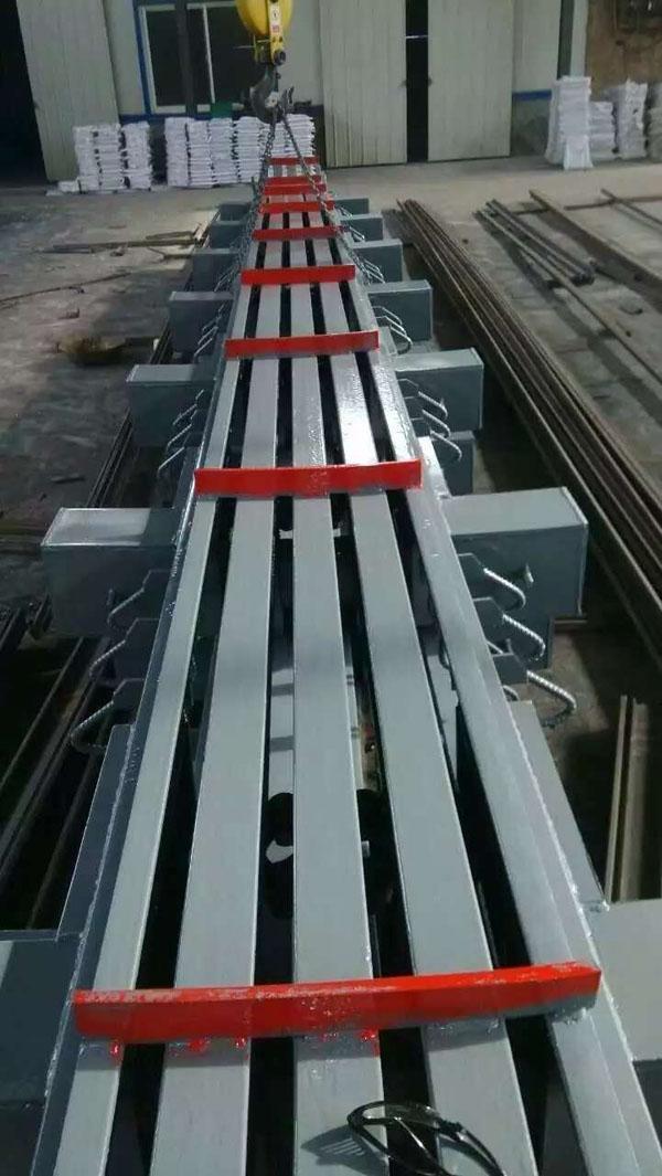 C单组式桥梁伸缩缝